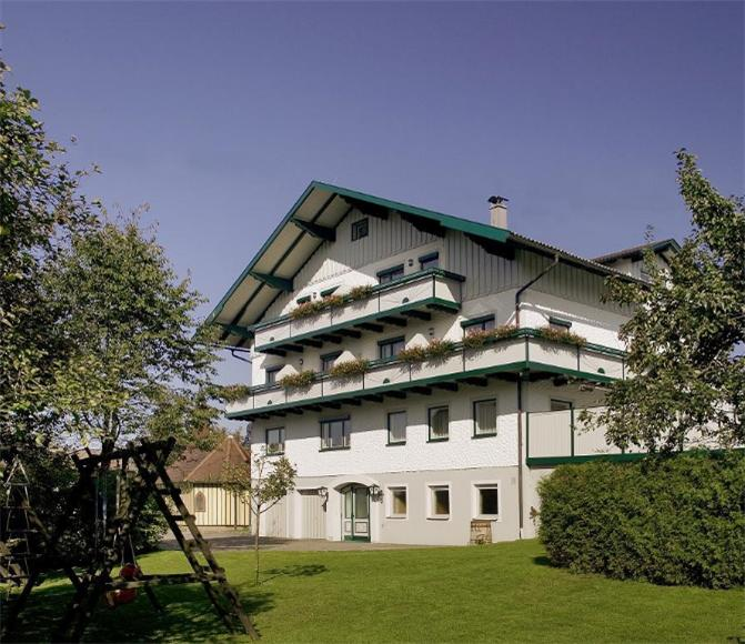Landgasthof & Seminarhotel Kobleder 0