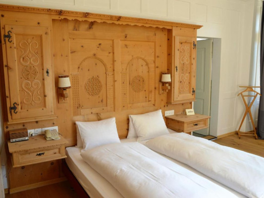 Schatzalp Snow & Mountain Resort double room mountain 0