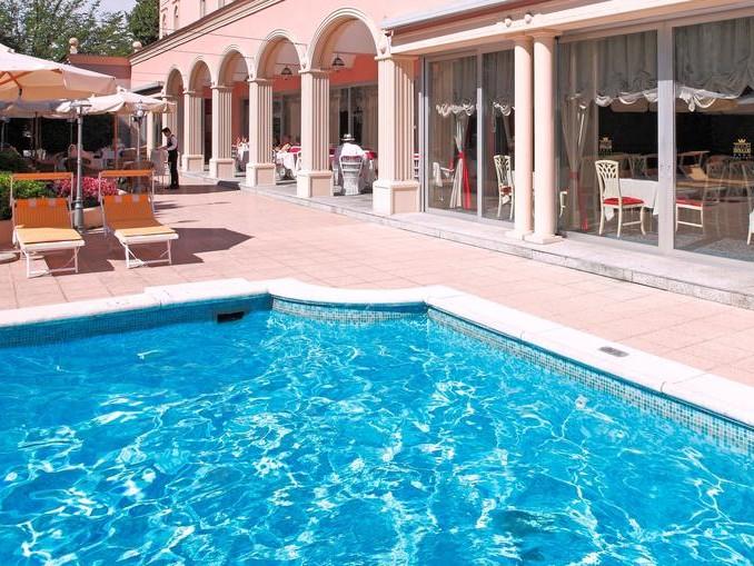 Hotel de la Paix 4