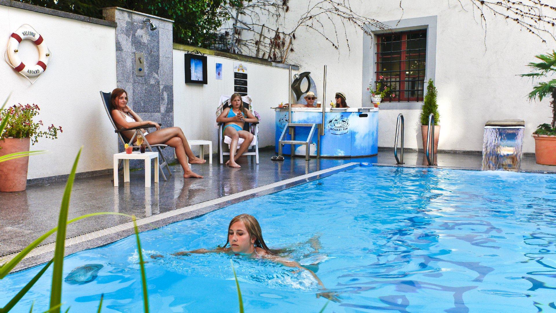 BASLERTOR Summerpool Hotel 10