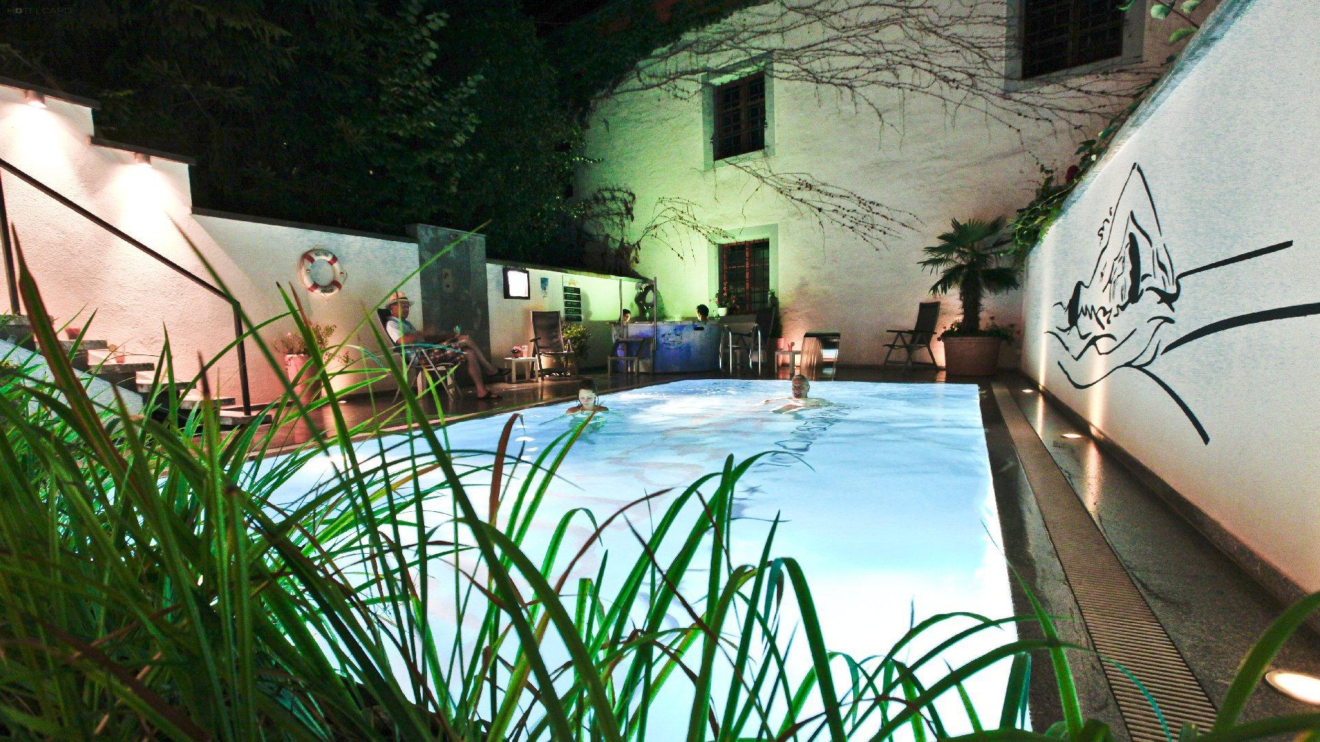 BASLERTOR Summerpool Hotel 9