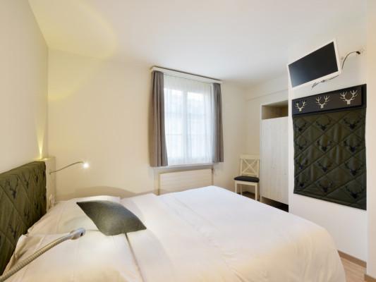Hotel Hirschen Double room Grandlit 140 cm 2