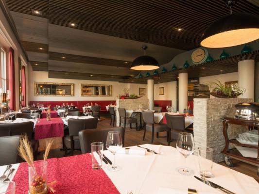 Kronenhof Hotel-Gastronomie-Wellness 0