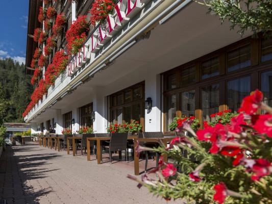 Hotel Laaxerhof 0