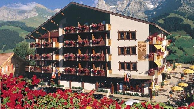 Boutique Chalet Hotel Beau-Site 0