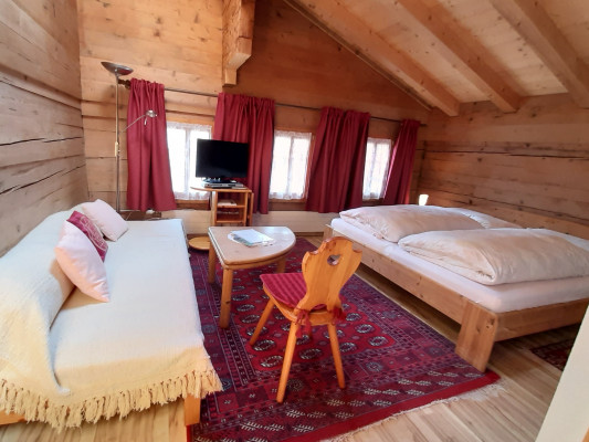 Chalet-Hotel Alpenblick Wildstrubel Double room south Frieda/Bruno 2