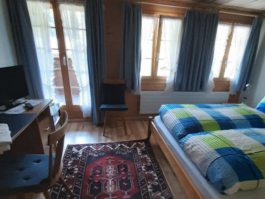 Chalet-Hotel Alpenblick Wildstrubel Double room with balcony 2