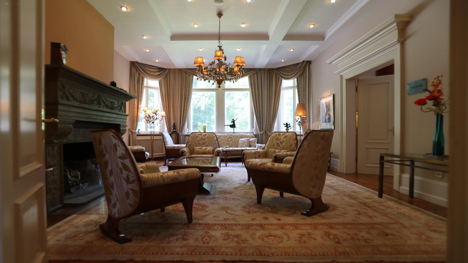 Relais & Chateaux Villa Hammerschmiede 5