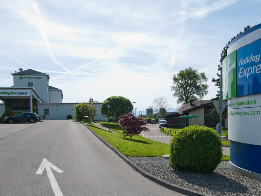Holiday Inn Express Luzern-Neuenkirch 2