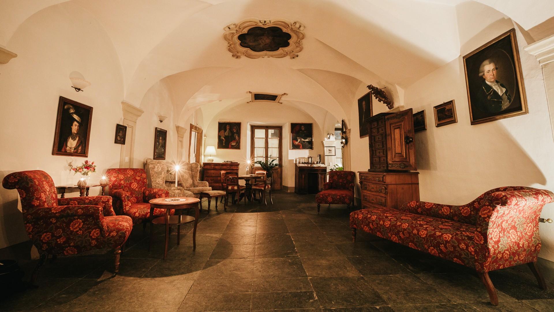 Swiss Historic Hotel Albrici 3