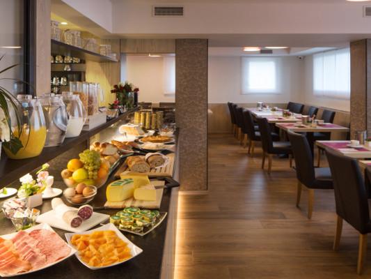 Hotel Campione 0