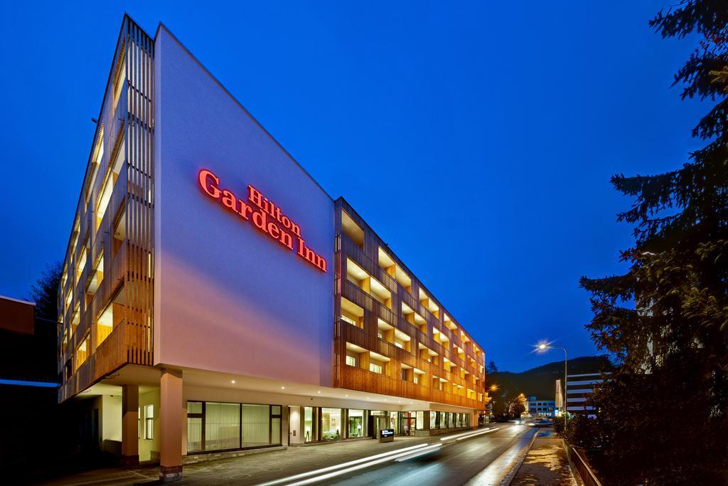 Hilton Garden Inn 4