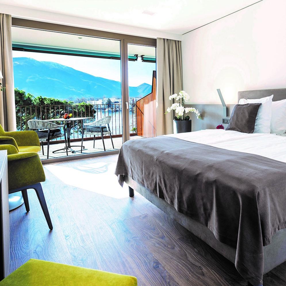 Hotel & Lounge LAGO MAGGIORE 1