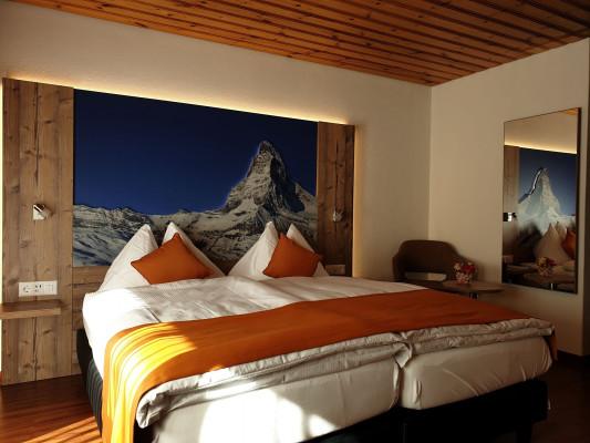 Typically Swiss Hotel Täscherhof 2