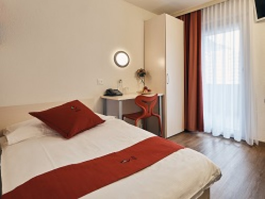 Hotel Restaurant Elite Visp Twin bed room single use 0