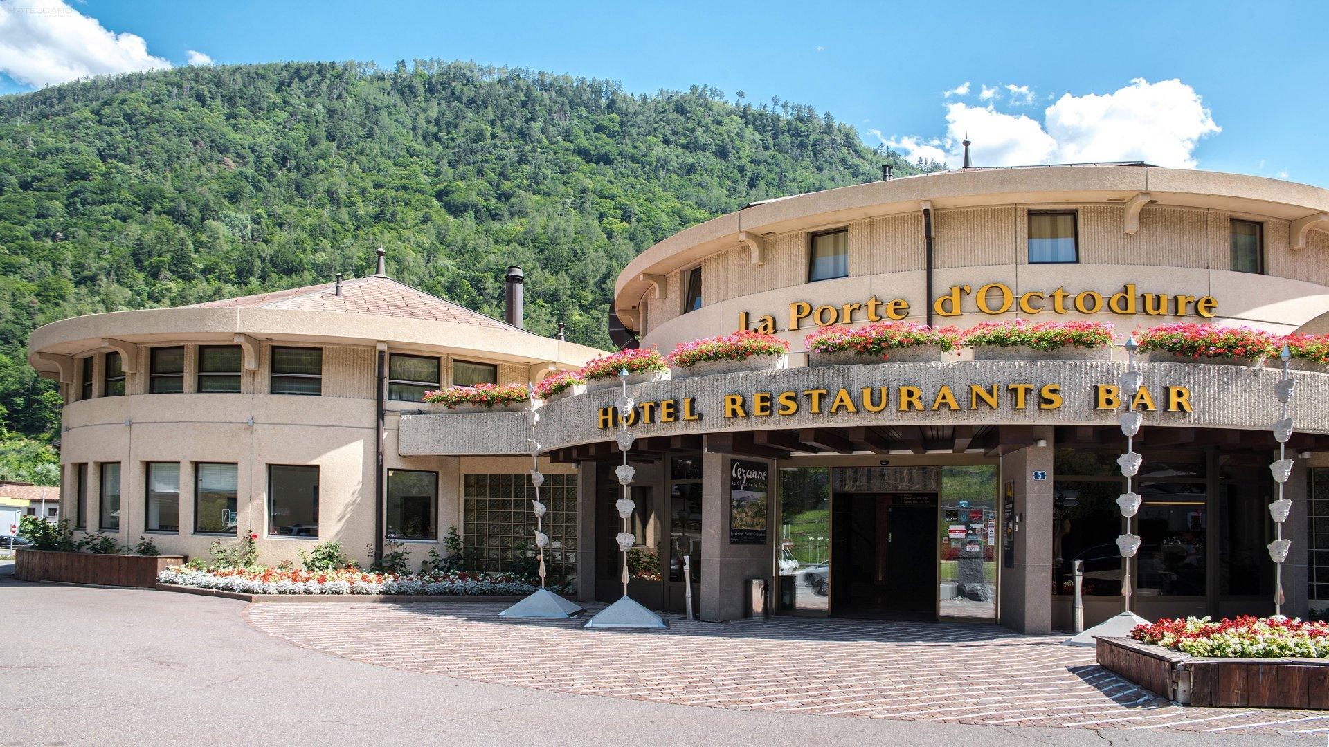 Hôtel La Porte dOctodure 0