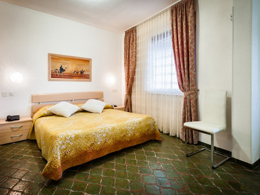 Hotel dell'Angelo Quadruple Room 1