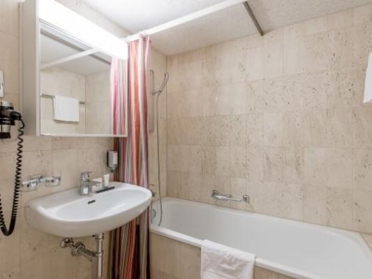 Hotel Cervus Twin room Piz Margna 1