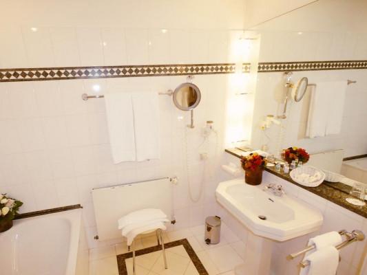 Relais & Chateaux Villa Hammerschmiede Room deluxe 2