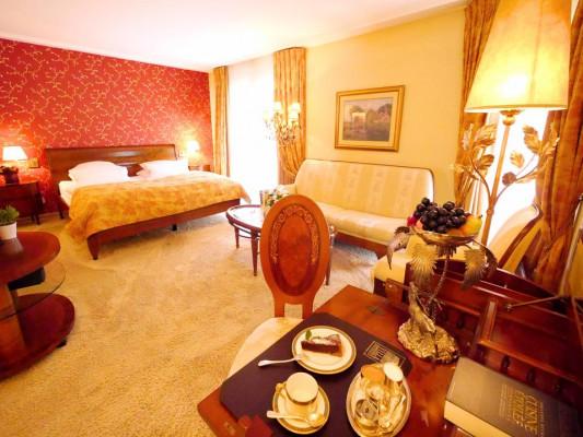 Relais & Chateaux Villa Hammerschmiede Room deluxe 1