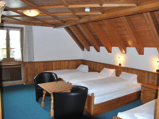 Hotel zum Kreuz 4 bed room 0