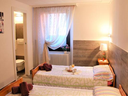 Hotel Della Posta Quadruple Room 1