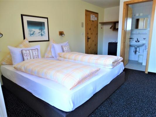 Hotel Bündnerhof Double room standard 2