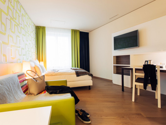 harry's home Zürich-Wallisellen Studio Business 3