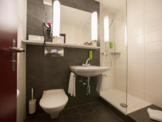 Hotel Weisses Kreuz Double room standard 5