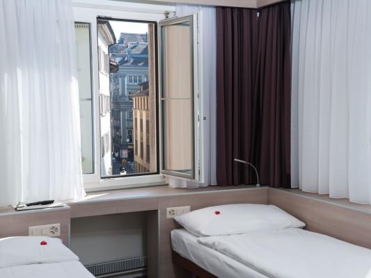 Hotel Alexander Twin room 1