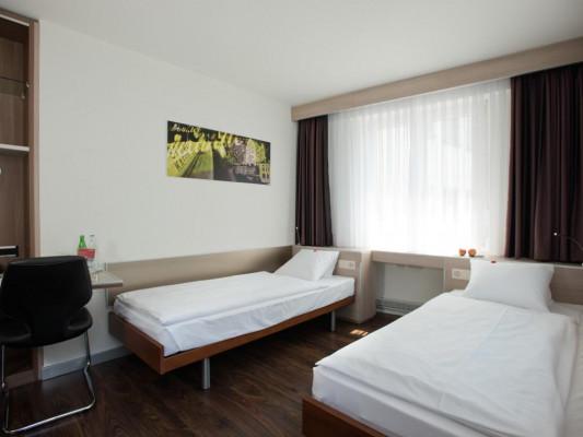 Hotel Alexander Twin room 2