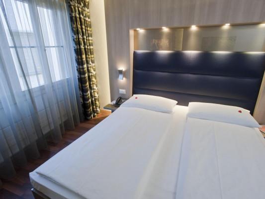 Hotel Alexander Double room 9