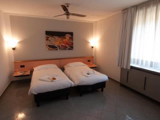 Bahnhof-Haus Double room whit Twin beds 2