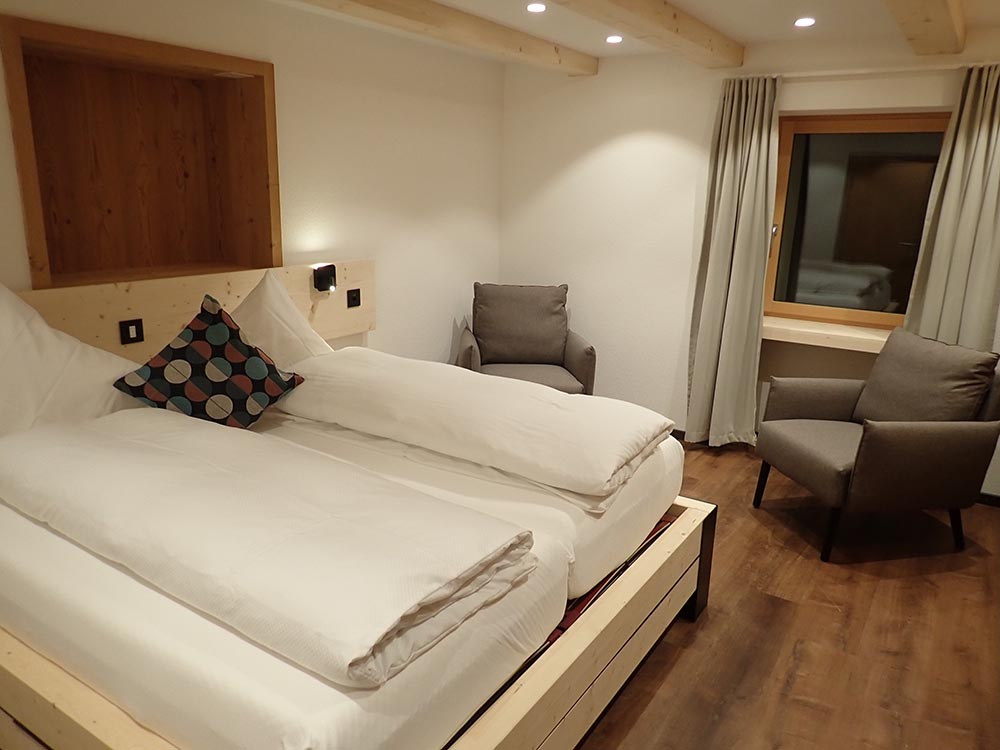 Hotel Furka 6
