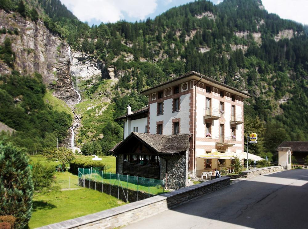Hotel La Cascata 0