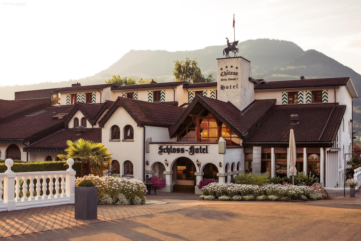 Schloss-Hotel 0