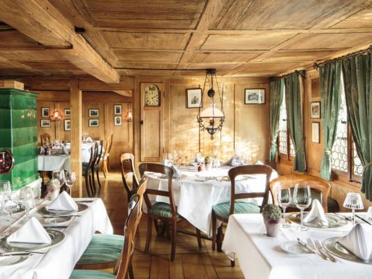 Schloss-Hotel Swiss-Chalet 2