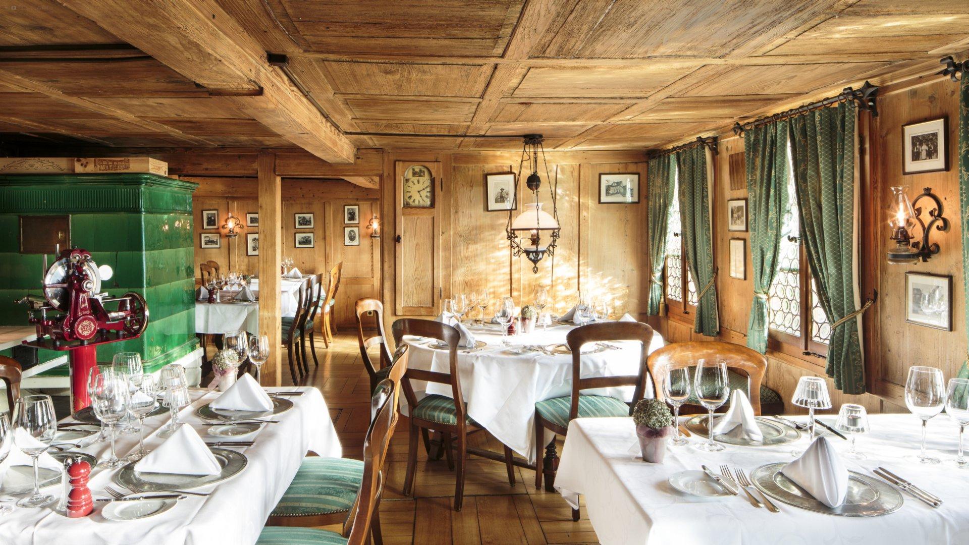 Schloss-Hotel Swiss-Chalet 3
