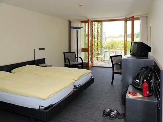Hotel Artos Interlaken Twin room 2