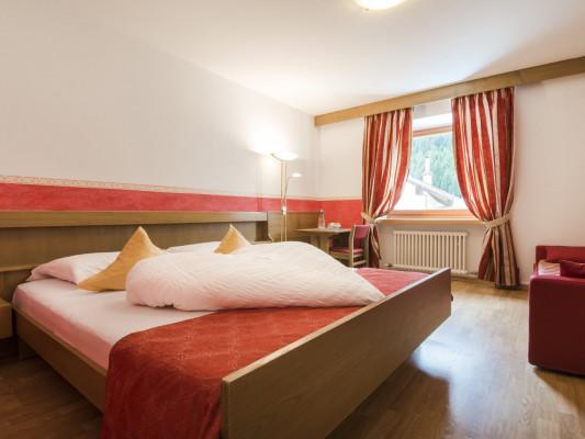 """Hotel Gasthof zum Hirschen Double room \""""Laugen\"""" 0"""
