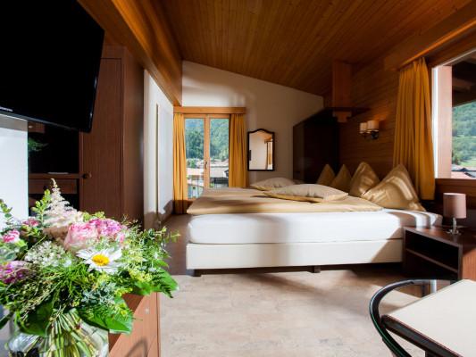 Jungfrau Hotel Twin room Comfort 3