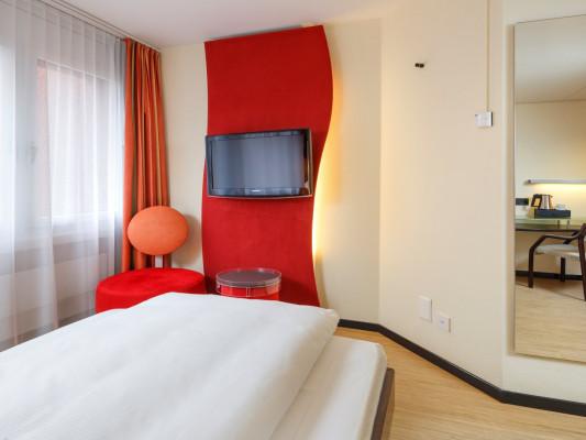 Swiss-Belhotel du Parc Single Room 1