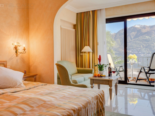Boutique-Hotel La Rocca Junior Suite lake view 0