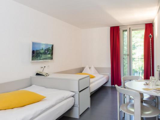 Schloss Münchenwiler Twin room Gästehaus 0