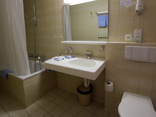 Swiss Family Hotel Alphubel Double room north 1