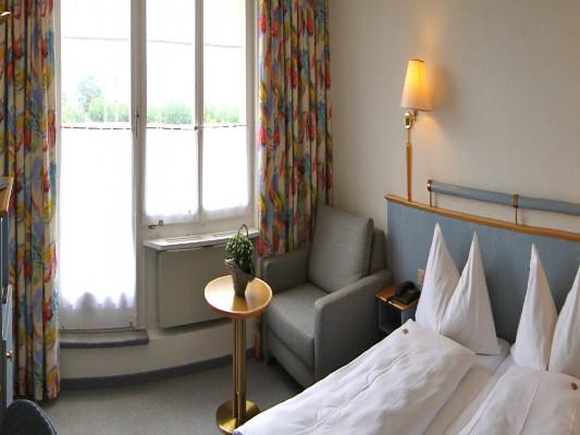 Hotel Bären Twann Double room Superior 1