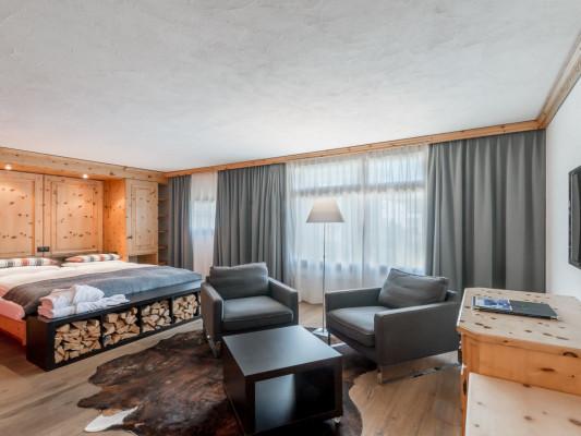 Hotel Cervus Twin room Piz Margna 2