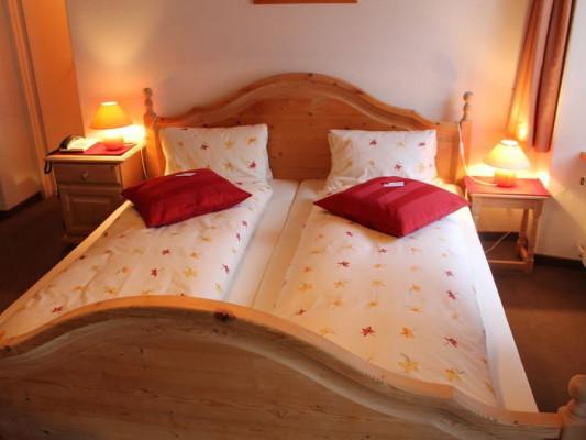 Hotel Garni Albula Double room 1