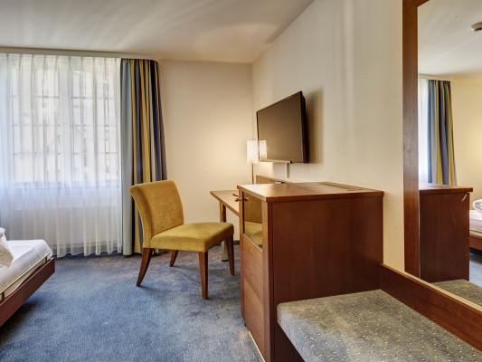 Parkhotel Schwert double room 9
