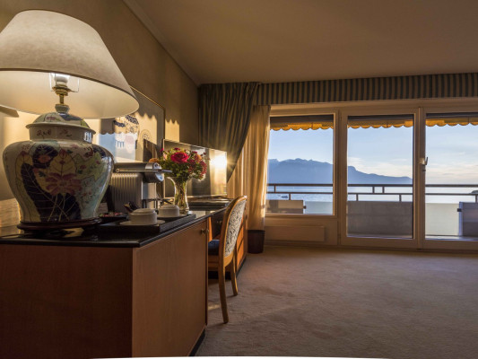 Royal Plaza Montreux & Spa Deluxe Room, Park & Lake Side or Lake View 1